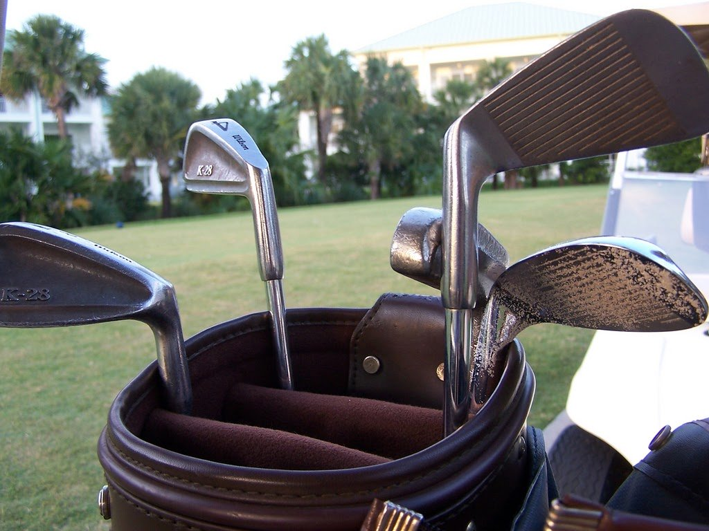 10 Silly Mistakes that a Golfer Beginner Makes